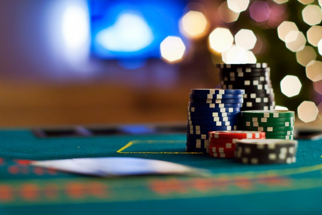 The Many Differences of Land-Based & Online Casinos
