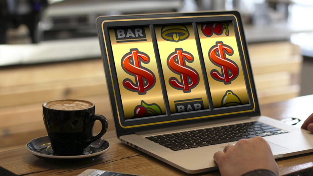Tips For Playing And Winning At An Online Slot Machine: Beginners Guide